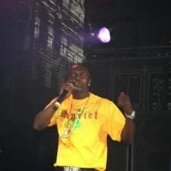 images_joomgallery_details_words_n_tunes_show_gallery_280_photos_of_akon_from_his_show_at_nokia_theater_206_photos_of_akon_from_his_show_at_nokia_theater_8_20120821_1886583463